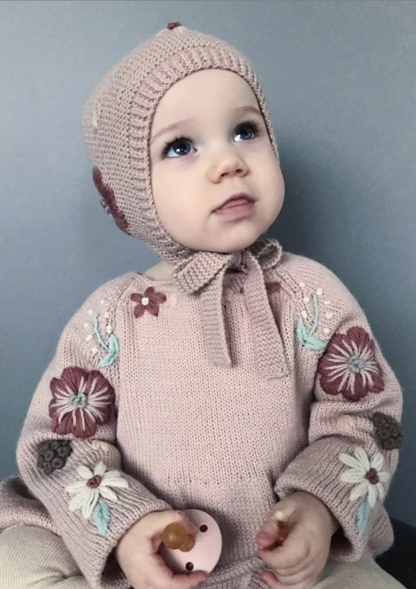 Knitting outfit